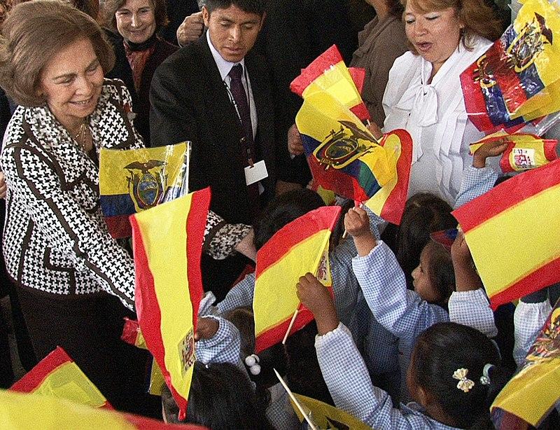 Reina Sofía de España visita Quito (5534760239).jpg
