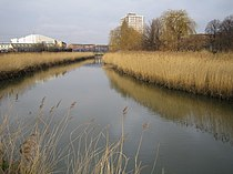 River Roding in Barking - geograph.org.uk - 322654.jpg