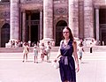 Roma luglio 1974 - Mother in St Peter's Square.jpg