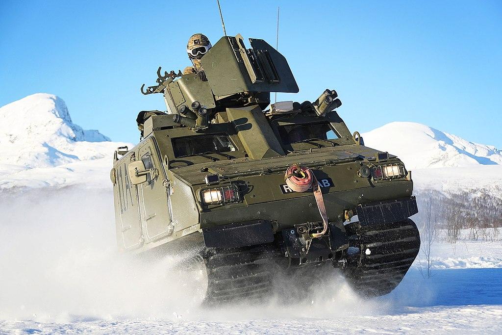 Royal Marines Teach USMC on their Over Snow Vehicle of Choice MOD 45163856.jpg