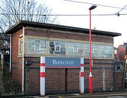 Runcorn signal box 3.jpg