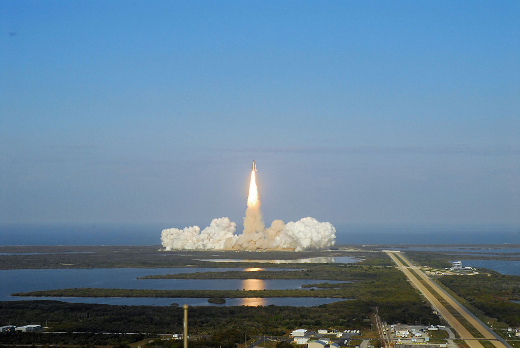 File Sts 133 Lifts Off From Launch Complex 39a At Kennedy