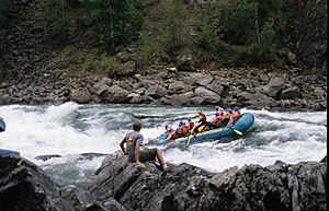 Clearwater River (British Columbia) - Interior Whitewater Expeditions raft in Sabre Tooth Rapids