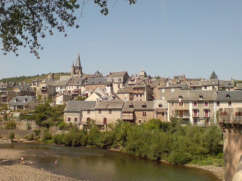 File:Saint-Côme-d'Olt vue globale.jpg