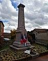 Saint-Just-d'Avray - Monument aux morts le 11 novembre 2018 après le dépôt de la gerbe.jpg