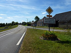 Saulces-Monclin (Ardennes) city limit sign.JPG
