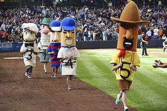 Mascot race - The Milwaukee Brewers' racing sausages