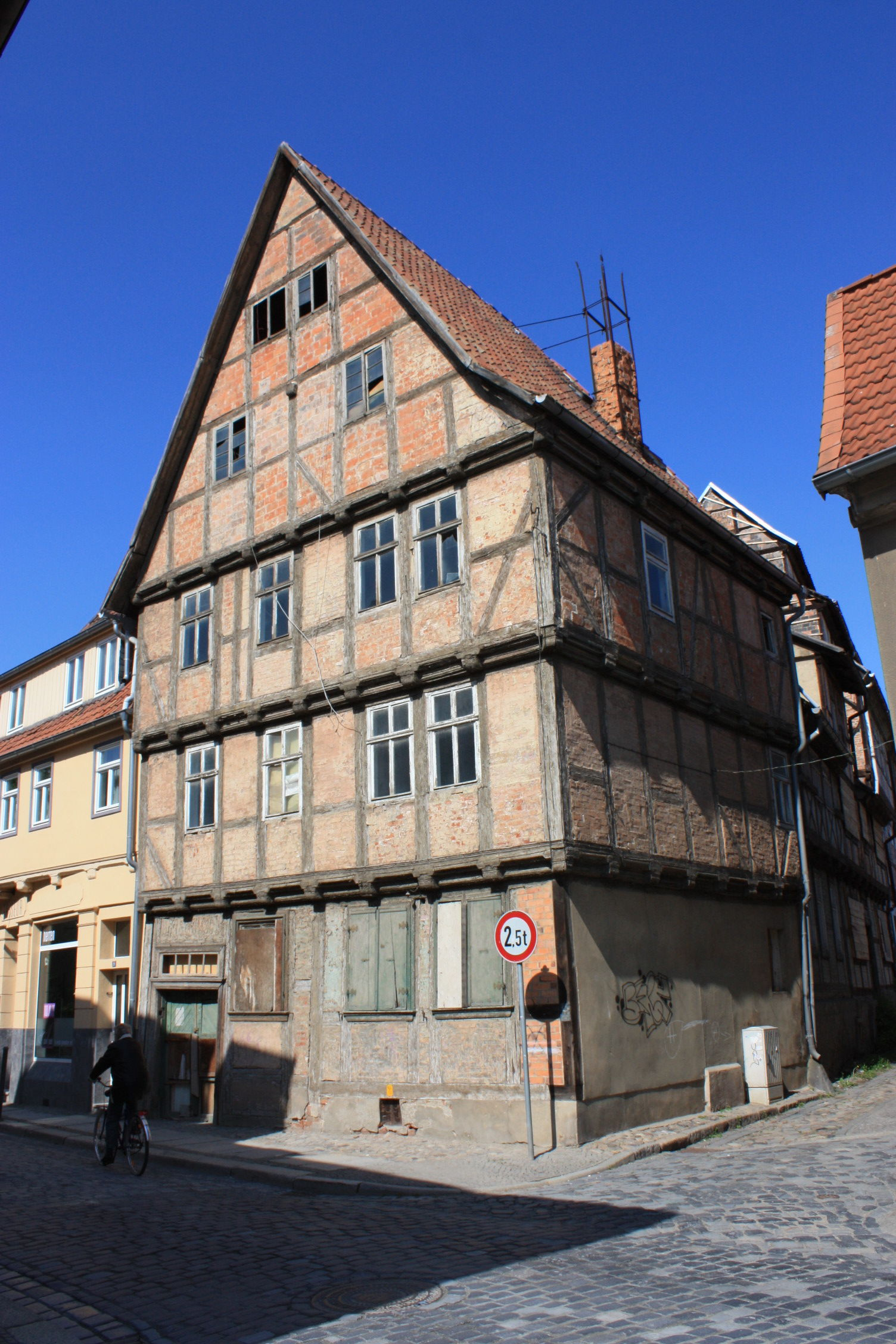 File:Schmale Straße 20 (Quedlinburg 2012) by Andreas Werner - IMG ...