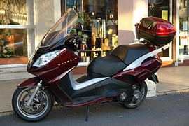 Scooter Peugeot Satelis 125 Compressor 2.jpg