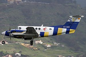 Servicio de Urgencias Canario Beech 200 Super King Air.jpg
