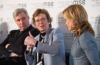 Sheldon Whitehouse, Mary Robinson und Melinda Crane MSC 2017.jpg