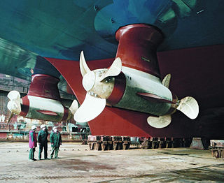 Azimuth thruster Steerable propulsion pod under a watercraft