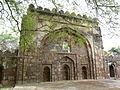 Sikandar Lodhi's tomb wall mosque (3547917705).jpg
