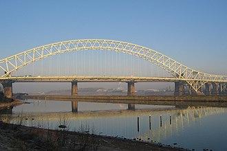 Runcorn - Image: Silver Jubilee Bridge