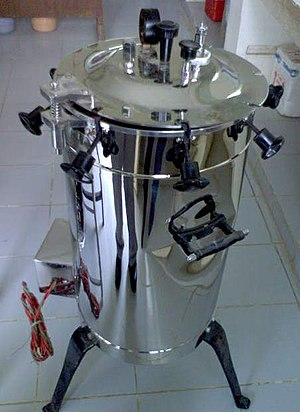 "Simple ""pressure cooker"" type autoclave"