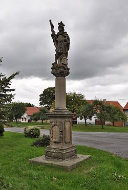 Socha sv. Floriána (Vysoká Libyně).JPG