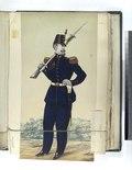 Soldado de artilharia, grande uniforme (NYPL b14896507-83985).tiff