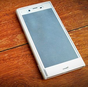 Sony Xperia XZ - Xperia XZ in Platinum with Style Cover Touch SCTF10