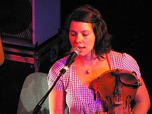 English: Violinist Sophie Trudeau