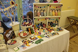 http://upload.wikimedia.org/wikipedia/commons/thumb/c/c2/St_Briavels_Art_and_Craft_Fair_2012_15.JPG/256px-St_Briavels_Art_and_Craft_Fair_2012_15.JPG