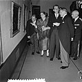 Staatsbezoek Franse president Coty aan Nederland. Derde dag. Rotterdam. Bezoek a, Bestanddeelnr 906-6165.jpg