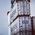 Stacking. One reefer container on top of another (9083145986).jpg
