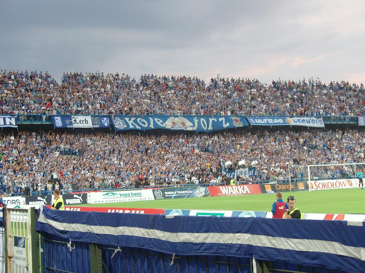 Plik:Stadion Lecha Poznan, 2 Trybuna.jpg