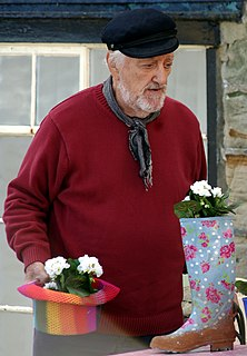 Bernard Cribbins English character actor, voice-over artist and musical comedian