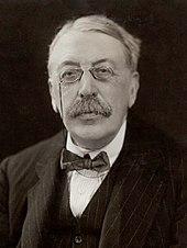 Homme à la fin du moyen âge, portant un pince-nez et une moustache