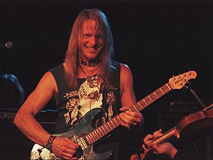 Steve Morse - Steve Morse, Roxy Theatre, Hollywood, CA 28 August 1999. This was the last concert of the Dixie Dregs' tour.