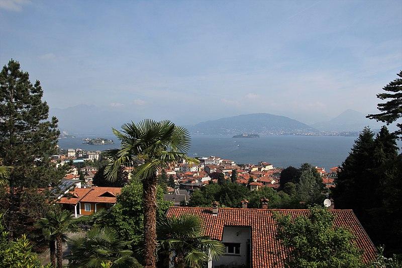File:Stresa, panorama (03).jpg