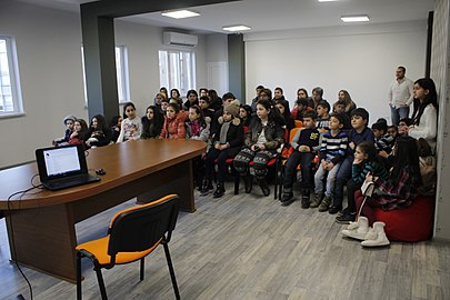 Students from Leo Tolstoy school visit Wikimedia Armenia office 27.12.2017 (02).jpg