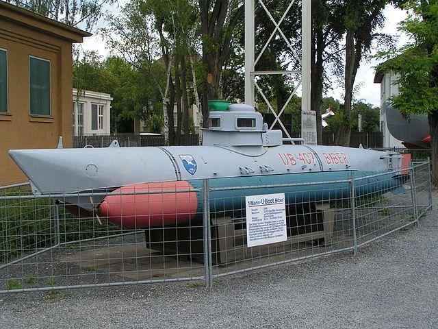 640px-Submarine_biber_01.jpg