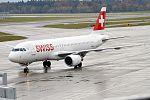 Swiss, HB-IJI, Airbus A320-214 (31304827721).jpg