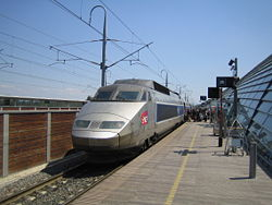 FRANSA TARİXİ 250px-TGV_at_Avignon