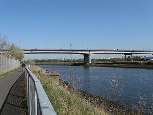 Tees Viaduct - Image: Tees viaduct from north bank 1024