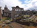 Temple of Saturn and Arch of Septimius Severus (14830928403).jpg