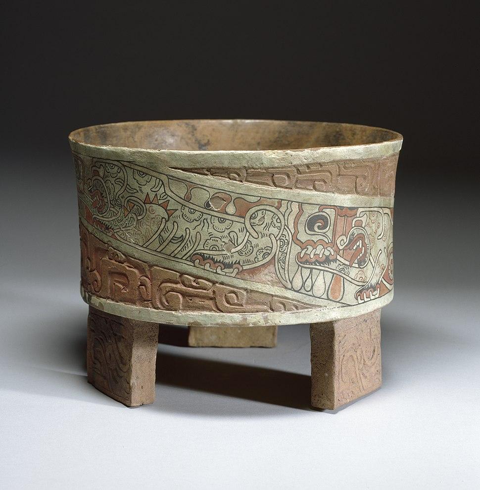 Teotihuacán - Tripod Vase - Walters 482769 - Profile