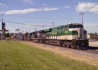 ES44AC 8099 in Southern Railway colors The Southern Unit arrives in Grand Rapids (9082680832).jpg