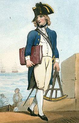Portrait en pied d'un garçon avec de longs cheveux blonds portant l'uniforme de midshipman: un bicorne, un manteau bleu avec les insignes blancs de son grade sur le col, un gilet, des culottes et des chausses blanches ainsi qu'une épée au côté gauche.