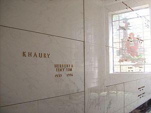 Tiny Tim (musician) - Tiny Tim's tomb at Lakewood Mausoleum