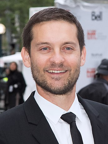 https://upload.wikimedia.org/wikipedia/commons/thumb/c/c2/Tobey_Maguire_2014.jpg/345px-Tobey_Maguire_2014.jpg