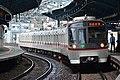 Toei 5300 series at Heiwajima Station (47983949453).jpg