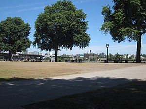 Tom McCall Waterfront Park - A typical daytime scene on the waterfront (June 2014)