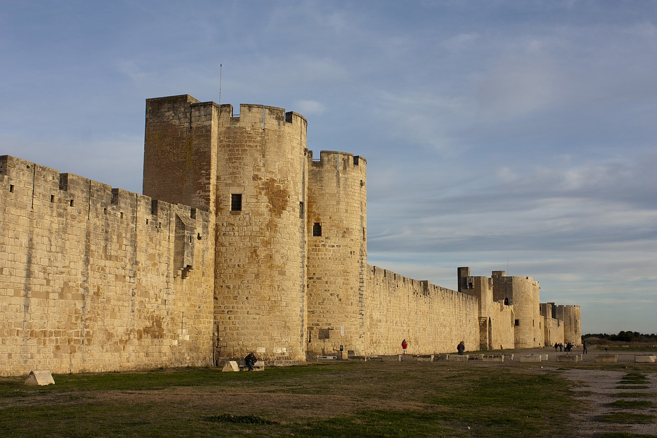 fichier tours et remparts sud d 39 aigues mortes vo wikip dia. Black Bedroom Furniture Sets. Home Design Ideas