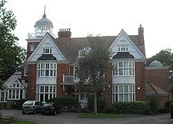 Tura House, London Road, Withdean (aŭgusto 2010) (NHLE-Kodo 1381677) (2).JPG