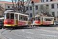 Tramway place Cathédrale Lisbonne 9.jpg