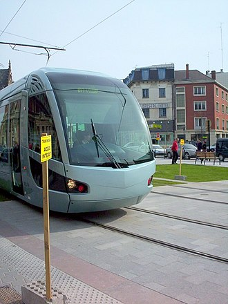 I-Trans cluster - Image: Tramway valenciennes place gare 2
