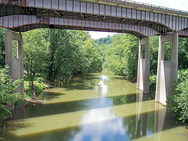 File:Twelvepole Creek.jpg