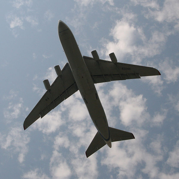 File:Ulyanovsk-2008-an-124 flight.jpg